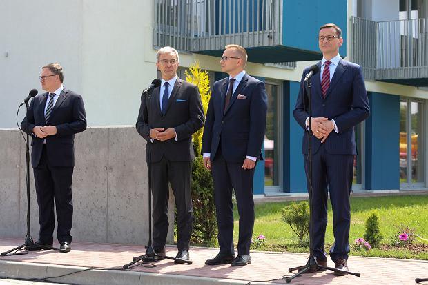 Premier Mateusz Morawiecki w czasie uroczystości odbioru lokali programu Mieszkanie Plus