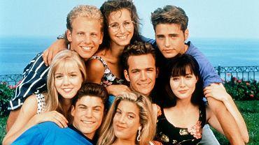 Uwierzylibyście, że pierwszy odcinek 'Beverly Hills 90210' amerykańska telewizja FOX wyemitowała równo 27 lat temu? Kiedy spojrzy się na ich twarze teraz i wtedy, widać, jak bardzo się zmienili. Sami się przekonajcie!