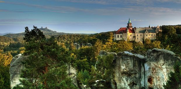 Zachwycające, a do tego całkiem niedaleko Polski. Takimi trasami turystycznymi mogą pochwalić się Czesi