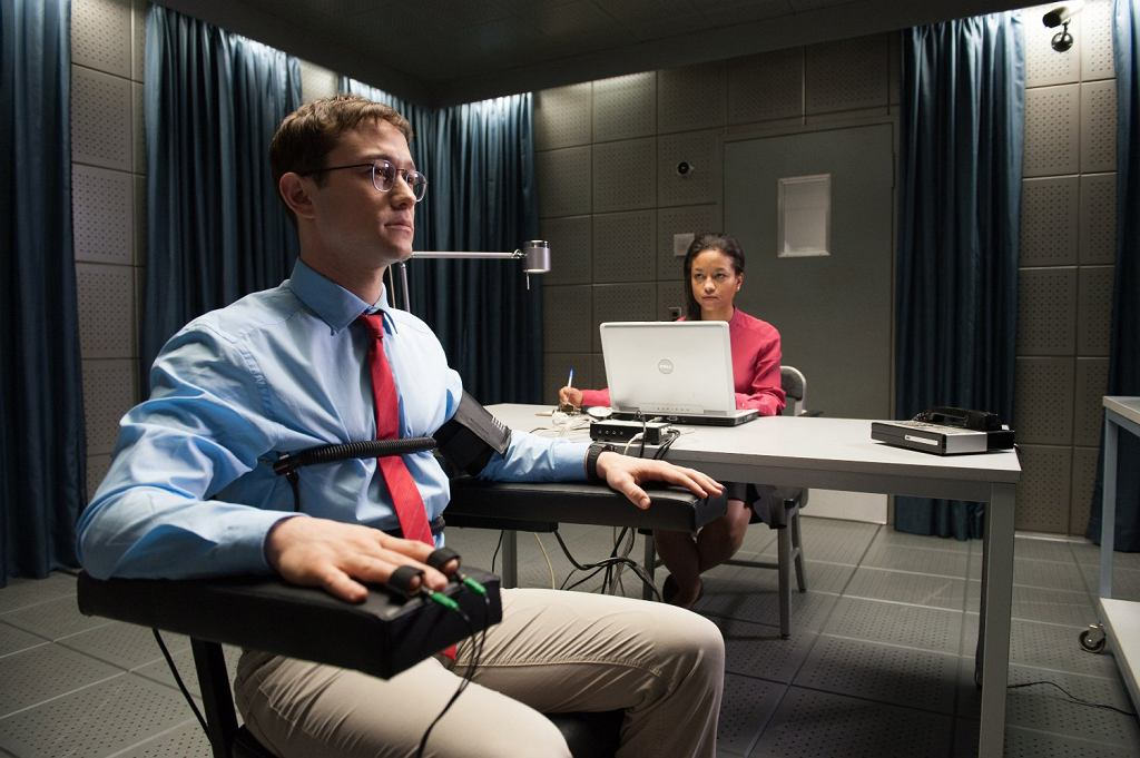 Joseph Gordon-Levitt w filmie ''Snowden'', reż. Oliver Stone / materiały prasowe