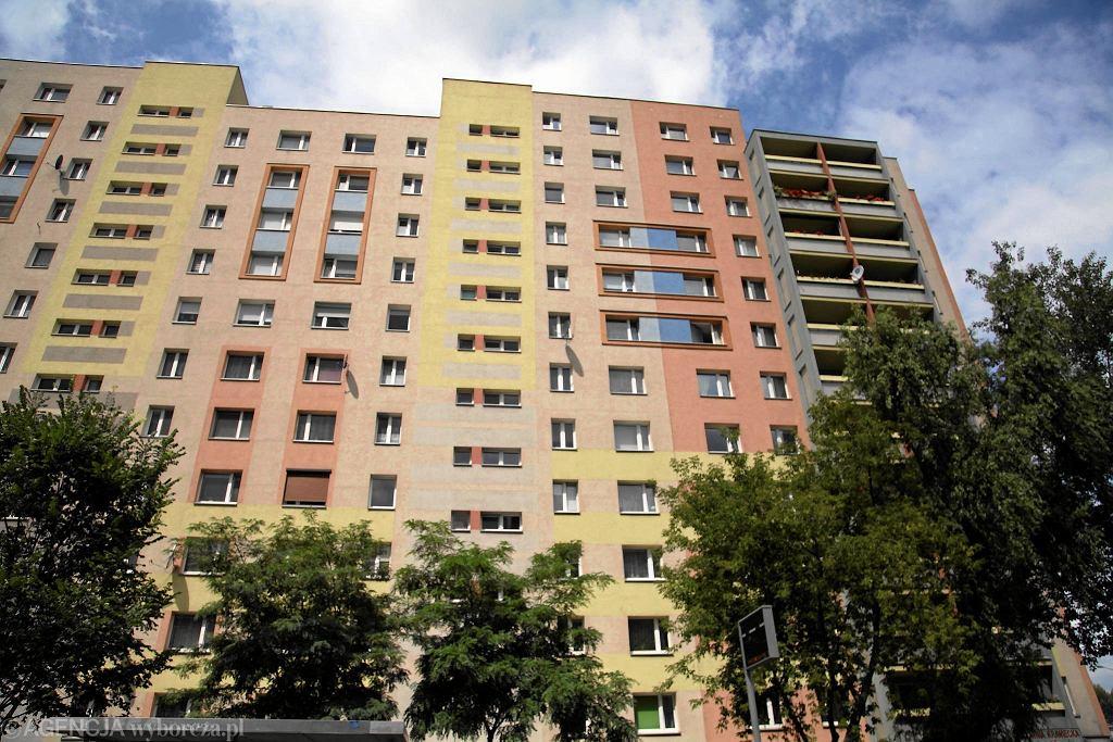 Bloki, które tu stoją, powstawały od lat 60. Zabudowa wielkiej płyty skończyła się w drugiej połowie lat 70. Teraz na terenach osiedla nowoczesne inwestycje wznoszą deweloperzy