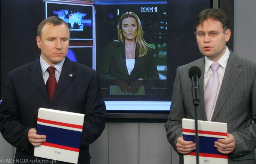 Zdjęcie już dziś historyczne: rok 2008, Hanna Lis jeszcze pracuje w TVP, Jacek Kurski jest posłem PiS (fot. Wojciech Olkuśnik / Agencja Gazeta)