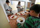 Zupa z proszku i mielone - to jedz� dzieci w szkolnych sto�ówkach