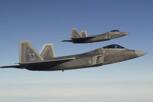 Cztery amerykańskie myśliwce przeleciały nad Koreą Południową. Demonstracja siły