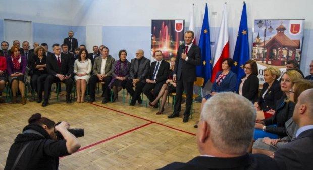 Tusk: Dalsze relacje mi�dzy Polsk� a Ukrain� zale�ne od w�a�ciwego zrozumienia historii
