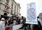 Rosjanie w Bristolu: przywitali ich klaszcz�cy kibice i Solidarni [ZDJ�CIA]