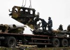 Ukraina: rozpocz�o si� wywo�enie szcz�tk�w malezyjskiego samolotu