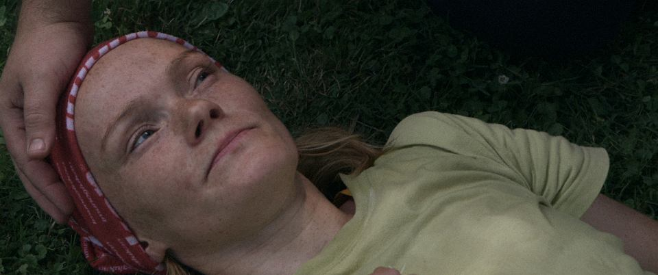 Agata Matejczuk. Kadr z filmu 'Biegacze'