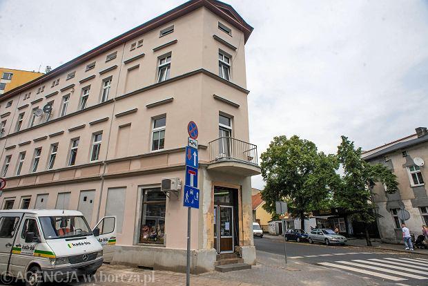 Zdjęcie numer 0 w galerii - Kolejny dom z nową elewacją. Pięknieje okolica ul. Śniadeckich