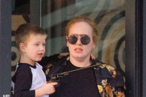 Nie milkną plotki o ciąży Adele. Czy najnowsze zdjęcia paparazzi rozwieją wątpliwości?