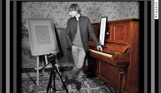 Neil Harbisson słyszy kolory i potrafi zmieniać je w obrazy