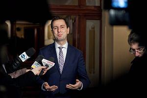 Minister pracy: rzucamy ko�o na ratunek m�odym
