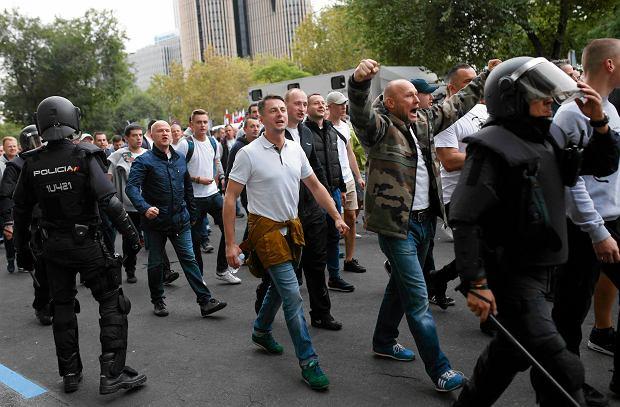 Uchodźcy próbowali uciec z ośrodka w Madrycie. Bo policja była zajęta kibolami Legii
