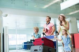 Jaką walizkę wybrać na urlop? Na jaki jaki rodzaj i rozmiar się zdecydować