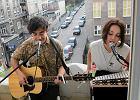 Zagrali koncert na balkonie w centrum miasta [WIDEO]