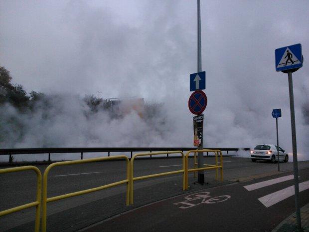 Powa�na awaria sieci ciep�owniczej w Gdyni. Mieszka�cy Gdyni, Rumi i Wejherowa nawet do rana bez ciep�ej wody i ogrzewania [ZDJ�CIA]