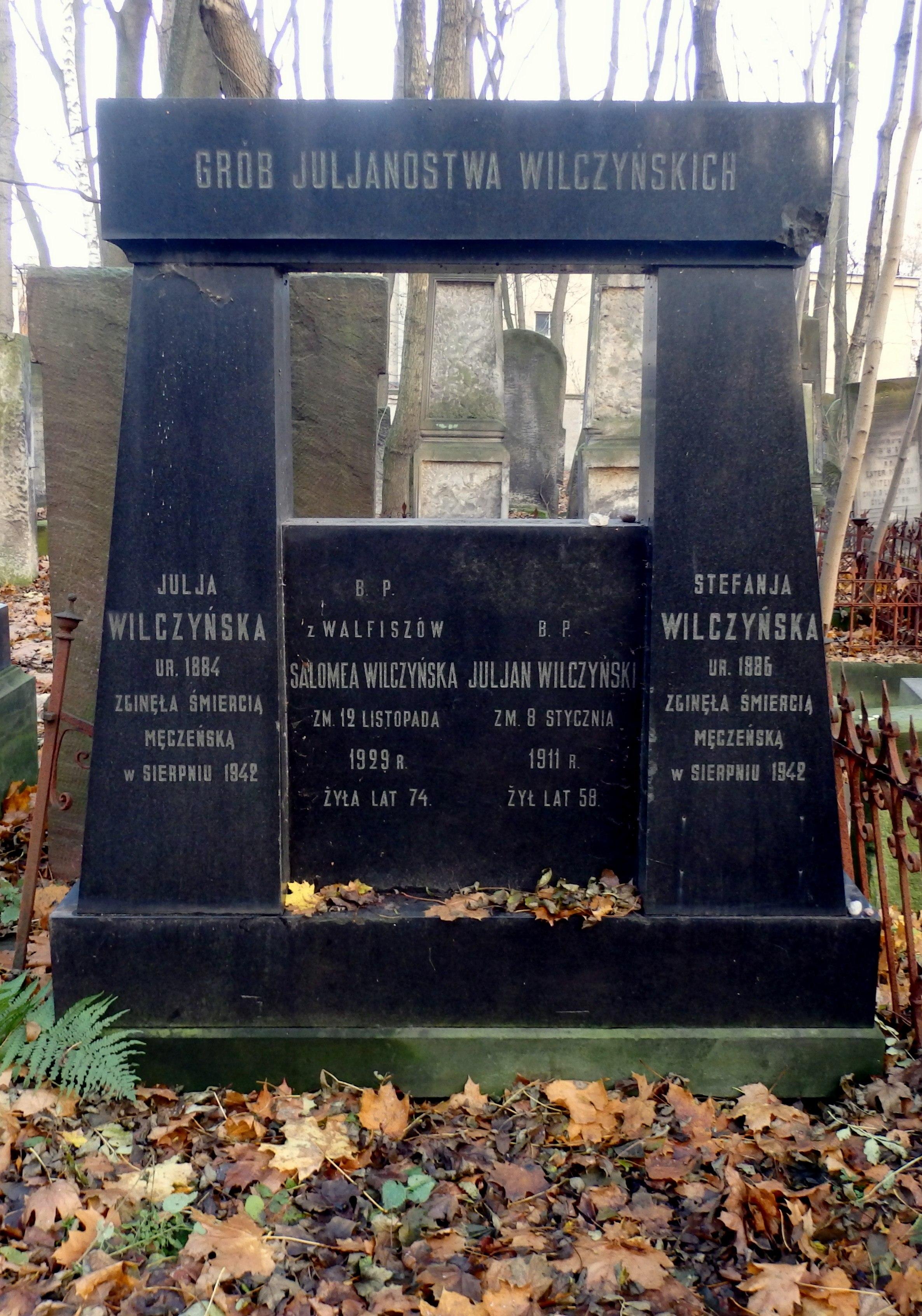 Symboliczny grób Stefanii Wilczyńskiej na cmentarzu żydowskim w Warszawie (fot. Sławomir Pastuszka / http://bit.ly/1MsDUx5 / BY CC / http://bit.ly/1xMszCg)