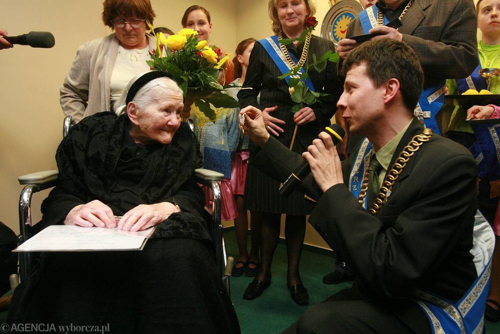 Irena Sendlerowa w 2007 r. otrzymała Order Uśmiechu.