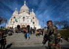 �wi�ta w cieniu zamach�w. Francuzi wci�� utrzymuj� stan wyj�tkowy