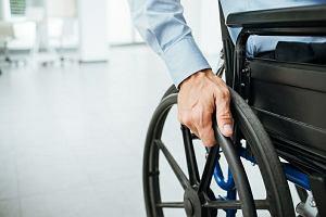 Pomoc dla starszych i chorych. Sprawdź do jakich zasiłków masz prawo [INFORMATOR]