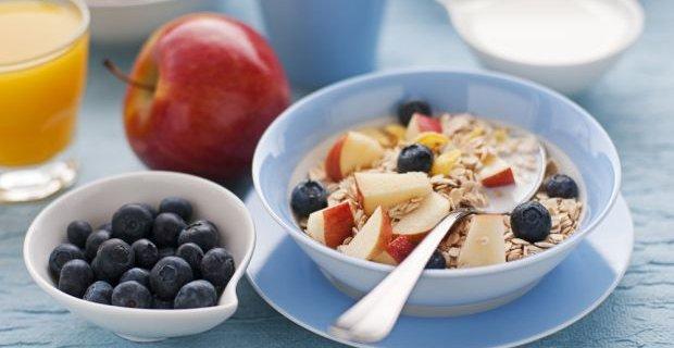 Zyski ze śniadania. Nie czekaj z jedzeniem do południa