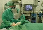 Czy operacja zaćmy z dopłatą za lepszą soczewkę jest fair?