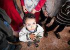 Nieoboj�tni wobec Syrii. Polacy potrafi� pomaga�