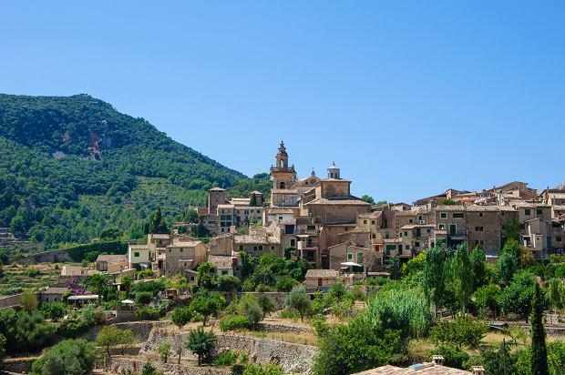 Baleary czy Wyspy Kanaryjskie? Hiszpańskie wyspy pod lupą. Wybierz swoją ulubioną!