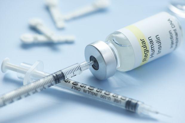 Insulina - działanie, rodzaje i dawkowanie. Jak przechowywać insulinę?