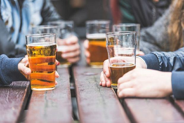 Prawda czy mit: piwo rozpuszcza kamienie nerkowe?