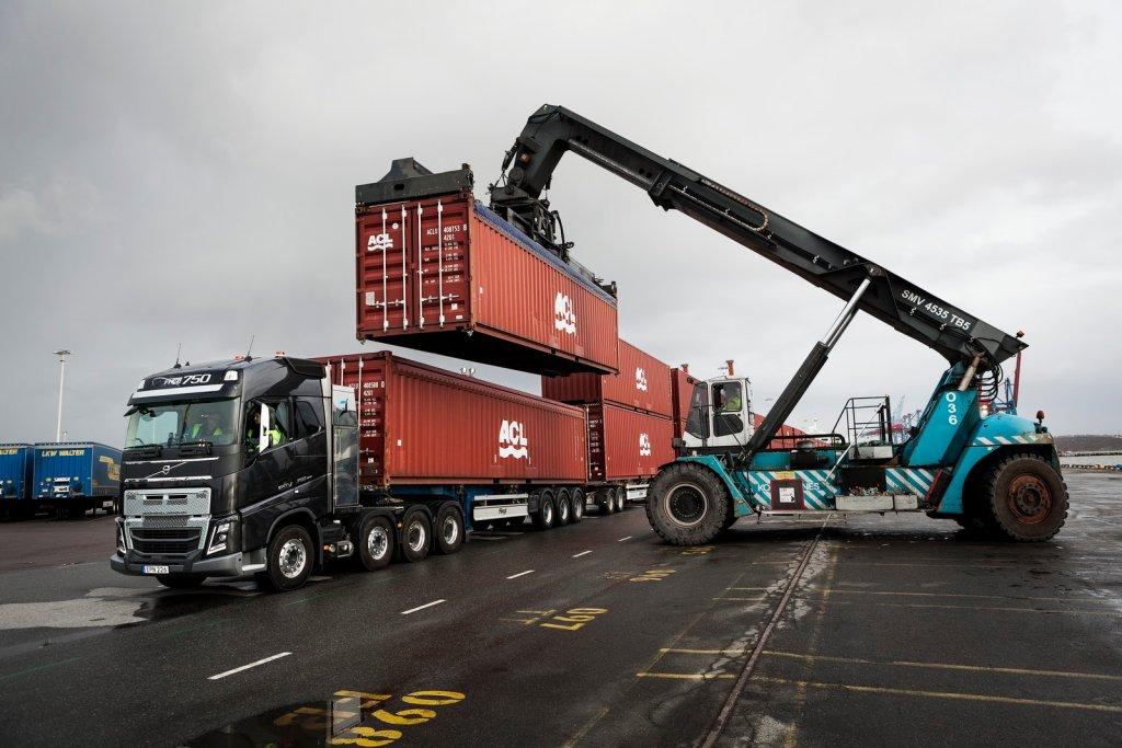 Volvo FH16, 20 przyczep i 750 ton