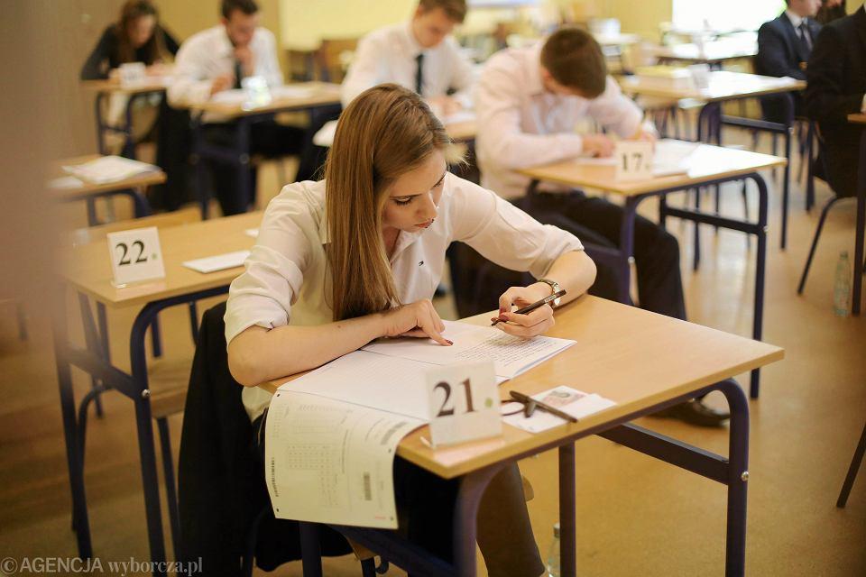 5 maja licealiści piszą obowiązkową maturę z matematyki