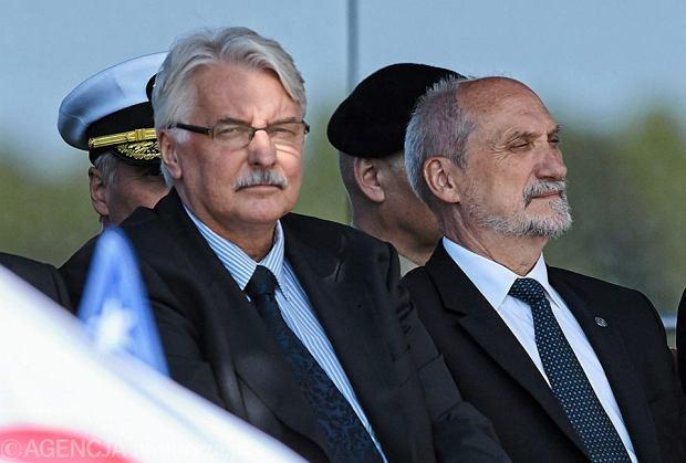 Witold Waszczykowski i Antoni Macierewicz na symbolicznej inauguracji budowy bazy w ramach amerykańskiego systemu antyrakietowego w Redzikowie
