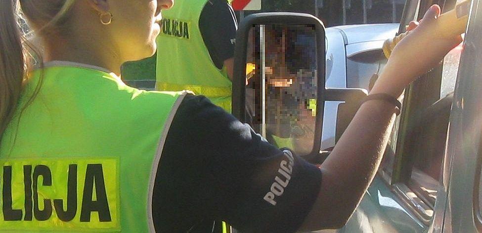 Policja z Łodzi dostała zgłoszenie o pijanym za kółkiem