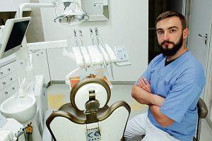 Zawód: Lekarz dentysta. Żaden mało nie zarabia. Czemu ich usługi są drogie?