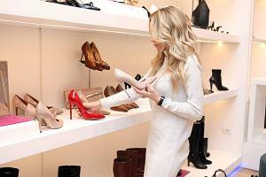 Modne buty na jesień. Kozaki za kolano nadal na topie, ale warto pomyśleć też o nowych botkach...
