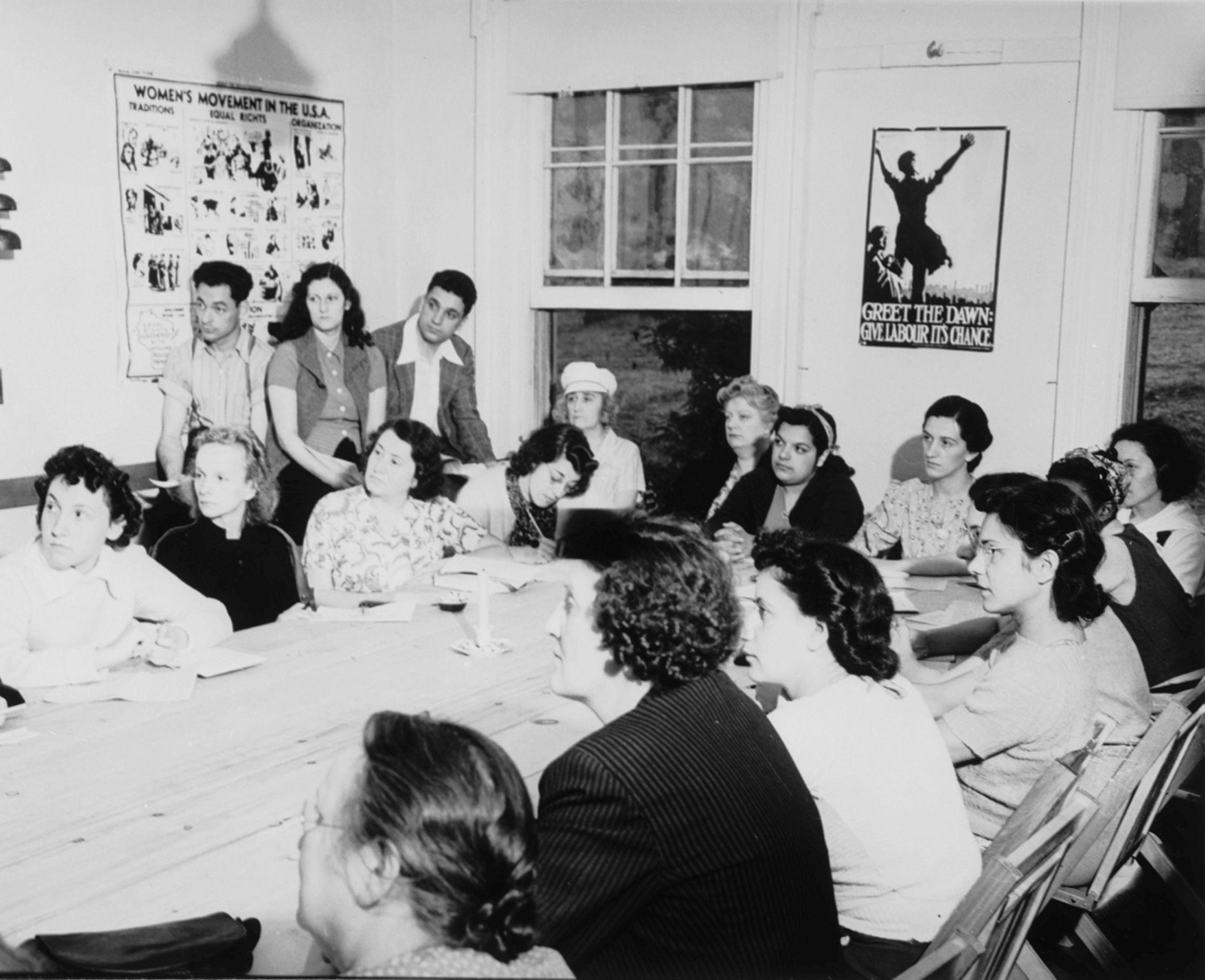 Nieformalne spotkanie członkin ruchu kobiecego w USA; International Information Centre and Archives for Women's Movement (fot. Kheel Center / Flickr.com / CC BY-SA 2.0 / bit.ly/1mhaR6e)