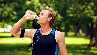Napoje dla sportowców dzielą się na trzy podstawowe grupy.