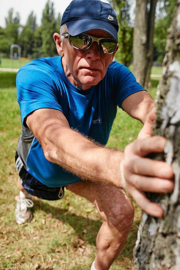 13.08.2014 Lodz . Tadeusz Szewczyk 67 letni biegacz podczas treningu w parku na Zdrowiu . Fot. Tomasz Stanczak / Agencja Gazeta