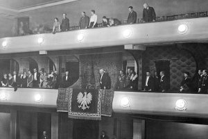 Pod znakiem or�a. Historia god�a Polski