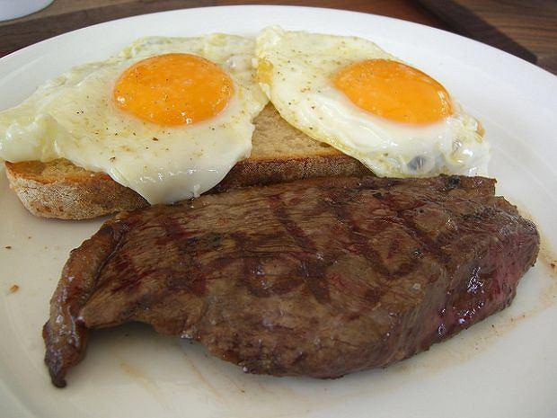 Jaja, mięso, czyli nadwaga murowana? Wręcz przeciwnie