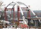 270-metrowy łuk mostu osadzony! [NOWE ZDJĘCIA]