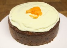 Ciasto marchewkowe z polew� z kremowego serka - ugotuj