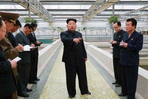 Kim Dzong Un w�ciek�y na z�y stan hodowli ��wi. Jej dyrektora prawdopodobnie zastrzelono