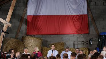 Mateusz Morawiecki spotkał się z rolnikami w Głogowie