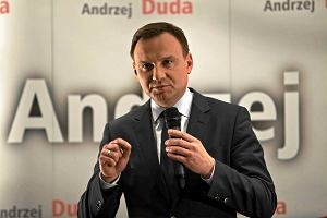 """""""Pytając o euro, Duda walczy o głosy eurosceptyków"""". To także próba """"przykrycia"""" sprawy SKOK-ów"""