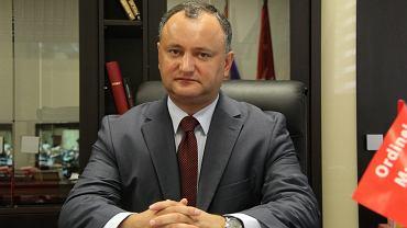 Niezależni obserwatorzy zwracają uwagę na pokazowy charakter aresztów oraz podkreślają ich ścisły związek z toczącą się w Mołdawii kompanią wyborczą. 30 października Mołdawia będzie wybierać prezydenta. Na razie sondaże wskazują, że faworytem jest lider prokremlowskiej Partii Socjalistów Igor Dodon (n/z)