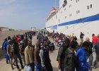 """Włoska policja rozbiła gang przemytników imigrantów. """"Działali jak makabryczne biuro podróży"""""""