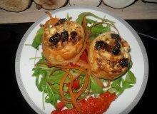Roladki z ciasta serowego z suszonymi pomidorami - ugotuj