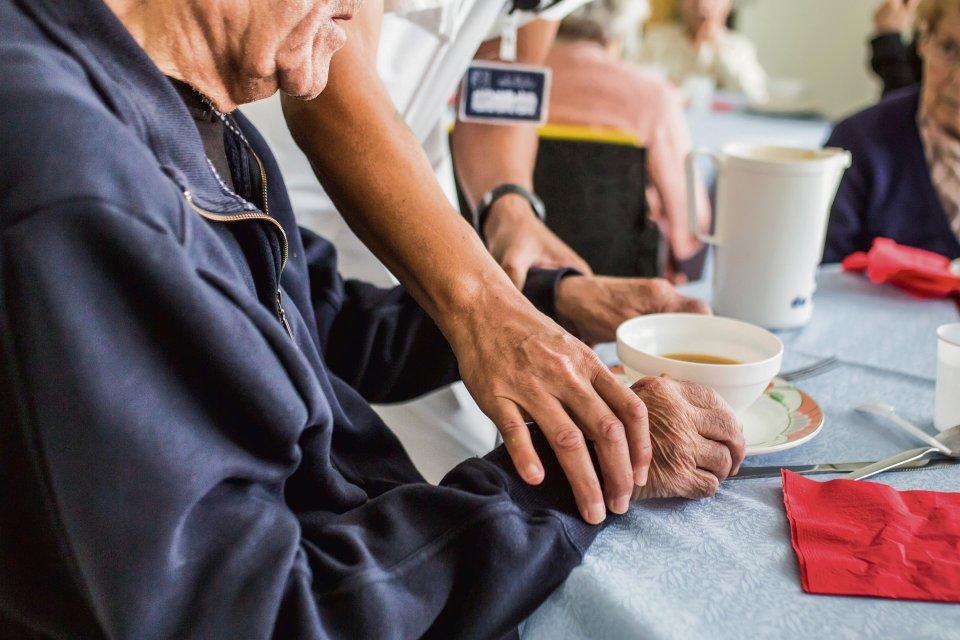 Większość ośrodków zajmujących się opieką nad osobami starszymi twierdzi, że umożliwia wybór własnego menu, zgodnego z upodobaniami seniorów